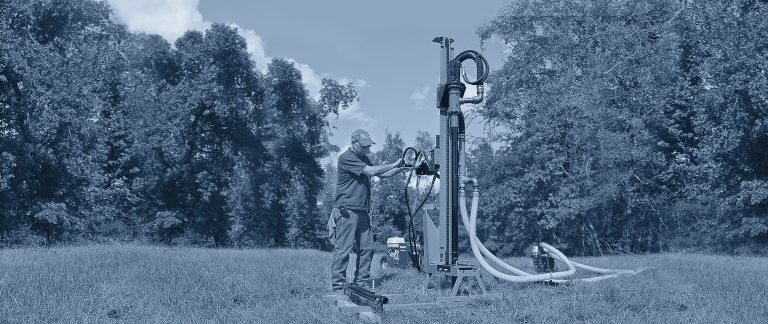 Hydraulic water well drill